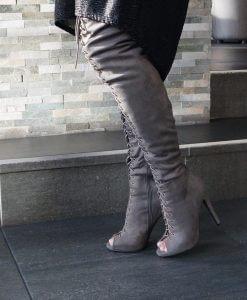 grijze-overknee-laarzen